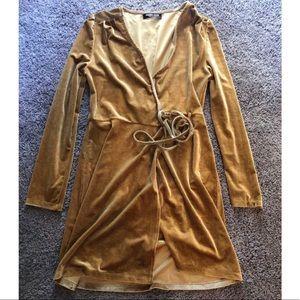 NWOT Gold velvet wrap dress SZ 8